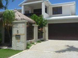 Oasis Holiday House