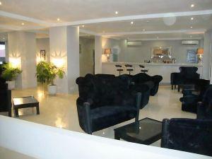 The Aknac Hotel