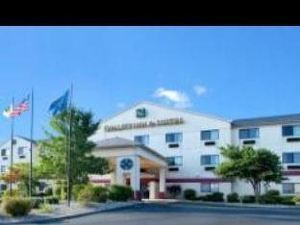 퀄리티 인 앤 스위트 (Quality Inn & Suites - South Bend)