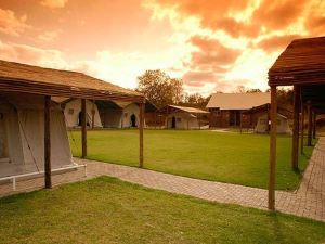 Protea Hotel Ranch Resort & Lion Park
