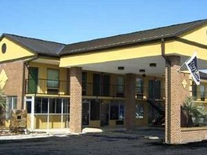 Travelers Inn and Suites Sumter