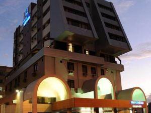 MercoPlaza Executive Hotel