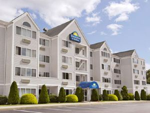 Days Inn & Suites Groton