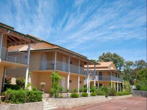 Margaret River Hotel & Holiday Suites