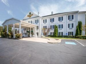 퀄리티 인 (Quality Inn Greeneville)