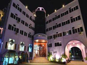 Kyi Tin Hotel