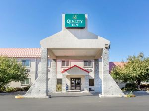 퀄리티 인 (Econo Lodge Livingston)