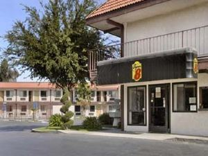 수퍼 에이트 마데라 캘리포니아(Knights Inn Madera)