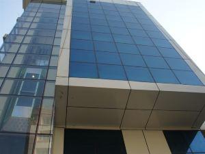 호틸 리라와티 그랜드 (Hotel Lilawati Grand)