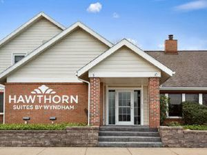 Hawthorn Suites by Wyndham Akron
