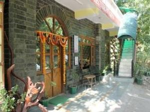 Hotel New Spring View Tatapani (50 km from Shimla)