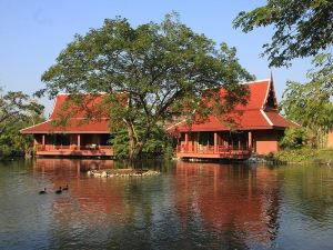 반 수차다 람팡 리조트 (Baan Suchadaa Lampang Resort - Adults Only)