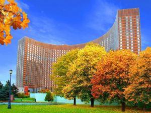 코스모스 호텔 (Cosmos Hotel)
