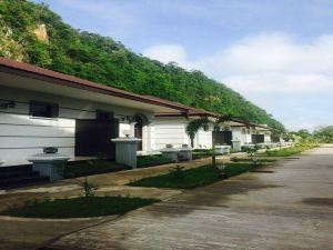 Thiri Hpa-An Hotel