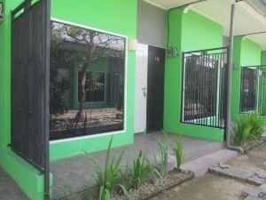 폰독 다운 홈 스테이 (Pondok Daun Home Stay)