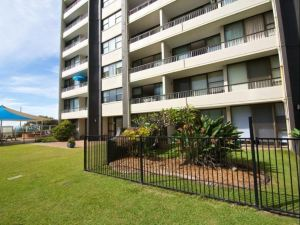 President Holiday Apartments Gold Coast
