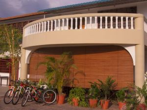바이크 앤 투어 비앤비 (Bike and Tours Bed and Breakfast Lahad Datu)