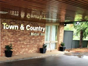 Town And Country Motor Inn Forbes