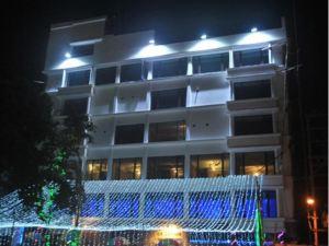 호텔 라즈 팔라스 (Hotel Raj Palace)