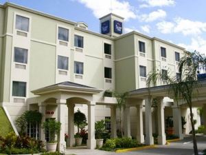 Sleep Inn Paseo Las Damas