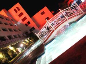 프리스 프라자 (Pryce Plaza Hotel)