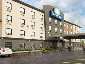 Days Inn - Regina Airport West