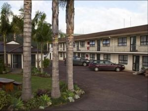 Cypress Court Motel