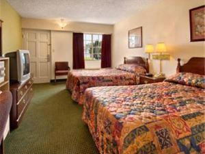 River Valley Inn & Suites