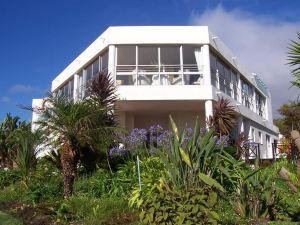 Sunshowers Plett Guesthouse