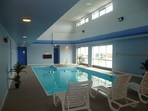 Howard Johnson Inn and Suites Miramichi
