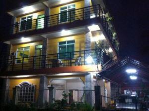 阿拉納斯卡里略旅游旅館(Aranas-Carillo Travellers Inn) 卡利博