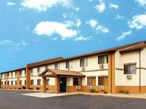 Baymont Inn & Suites Ames
