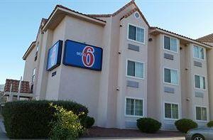 모텔 6 엘패소 - 사우스이스트(Motel 6 El Paso - Southeast)