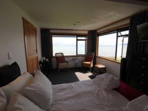 Te Puru Beach Lodge