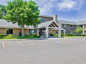 AmericInn Lodge & Suites Algona