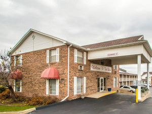 Econo Lodge Inn and Suites Lake Of The Ozarks Osage Beach
