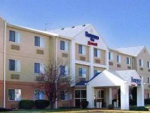 Red Roof Inn and Suites Danville