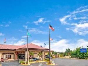 베이몬트 인 앤 스위트 브레머턴/실버데일 워싱턴(Baymont Inn & Suites Bremerton)