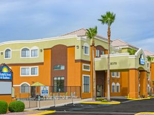 Days Inn and Suites - NW Tucson / Marana