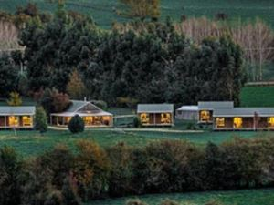 Smiths Farm Holiday Park Hotel