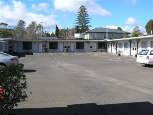 Riviera on Ruthven Motel