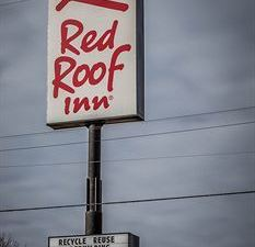 레드 루프 인 앤드 스위트 머스키건 하이츠(Red Roof Inn & Suites of Muskegon Heights)
