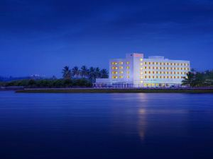 The Gateway Hotel Lakeside Hubli