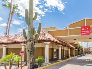 ECONO LODGE INN and SUITES MESA