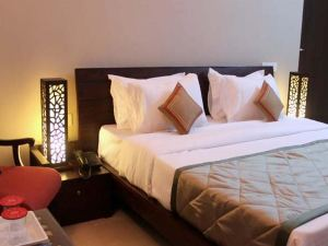 OYO Rooms Near Goverdhan Sagar Lake