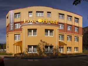 Love Hotel on Chernovitskaya