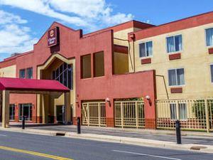 클라리온 호텔 앤드 컨퍼런스 센터(Clarion Hotel and Conference Center)