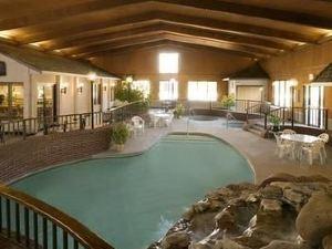 Apple Tree Inn and Suites