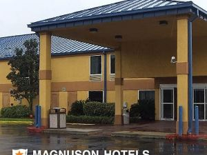 Executive Inn & Suites Baker