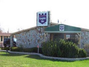 러신 나이츠 인(Racine Knights Inn)